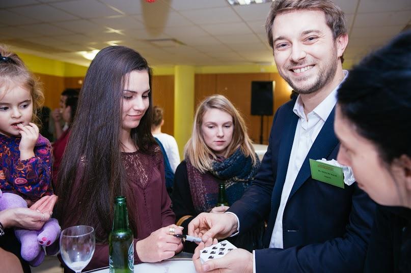 Le magicien : le meilleur allié pour une fête familiale réussie